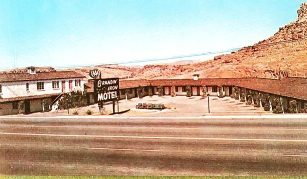 a view of the 1960s Brandin' Iron Motel in Kingman, Route 66, Arizona