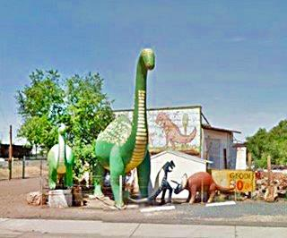 Rainbow Rock Shop dinosaurs in Holbrook Arizona 