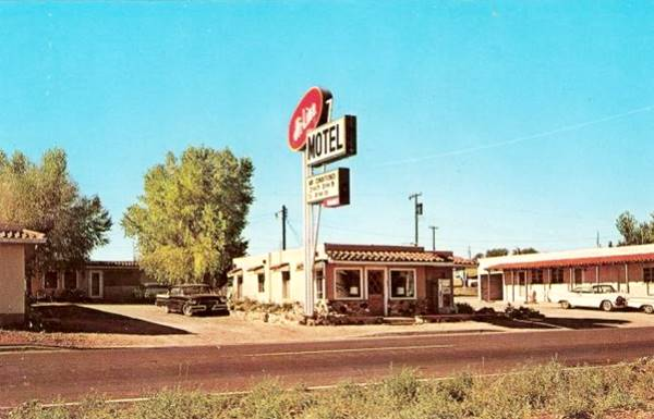 vintage postcard of the Hi-Line Motel in Ash Fork, Arizona