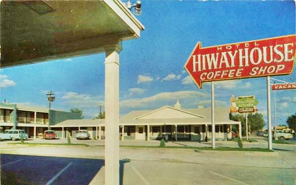 A 1950s postcard of the HIWAY House Motel on Route 66 in Holbrook  Arizona