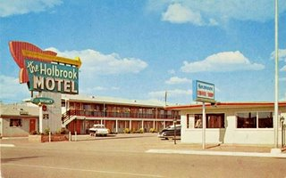 A 1950s postcard of vintage Holbrook Motel on Route 66 in Holbrook Arizona