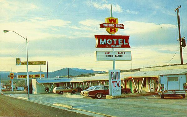 1970s Postcard of Whiting motel and gas station in Kingman