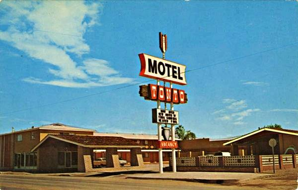 1960 vintage postcard of Motel Tonto on Route 66 in Holbrook Arizona