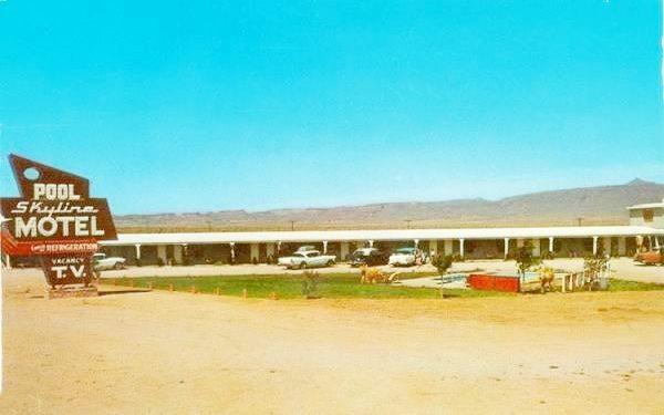 Skyline Motel in a classic postcard, Kingman, Route 66, Arizona