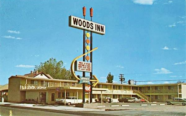 1960s postcard of Woods Inn, on Route 66 in Holbrook  Arizona
