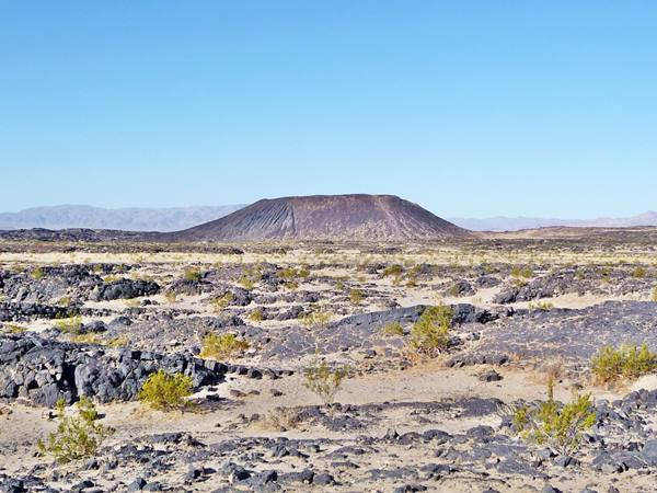 Volcanic Crater: Amboy, Route 66 California - Public domain