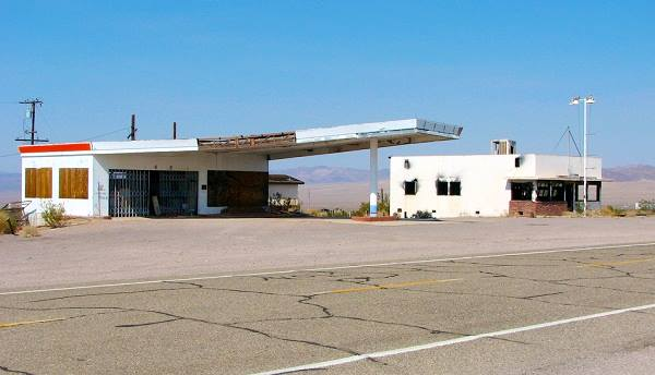the old Cafe and an abandoned gas station in Ludlow, Route 66 California