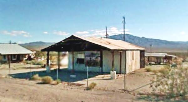 The abandoned service station at Danby Ca, Route 66