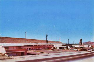 Desert Inn Motel, Barstow, in a late 1950s postcard