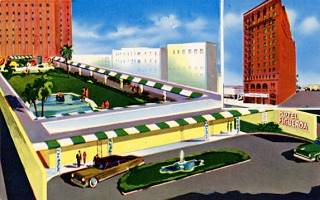 The Figueroa Hotel in a 1950s postcard