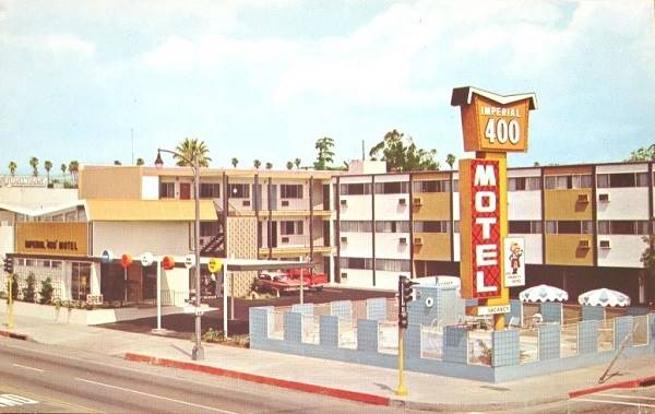 A vintage postcard view of the Imperial 400 Inn, Pasadena on Route 66 California