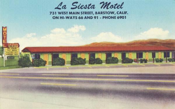 La Siesta Motel in a 1950s postcard