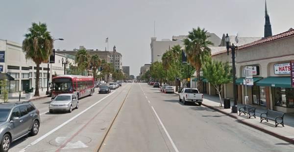present appearance of the Downtown along Colorado Blvd. in Pasadena, Route 66 California