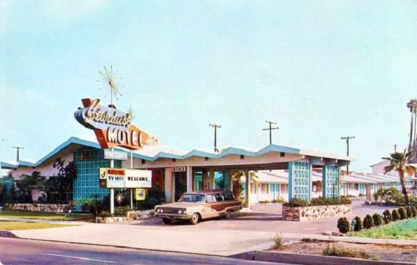 Stardust Motel in a 1960s postcard Azusa, California