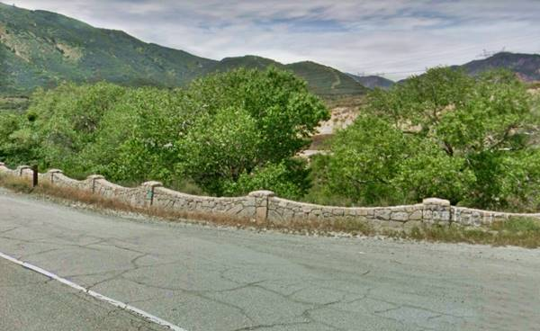 Stone wall beside old Route 66 in Blue Cut, Cajon Pass
