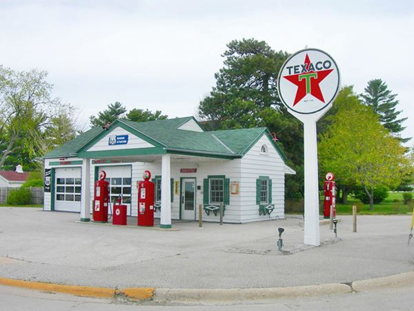 Ambler's Texaco Gas Station in Dwight Route 66