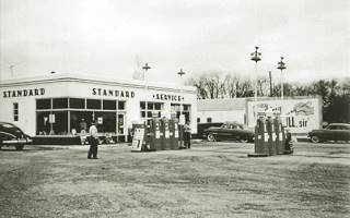Archie's Standard Service in Pontiac US66
