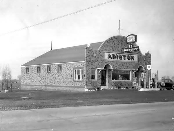 Ariston Café 1950s in Litchfield Route 66