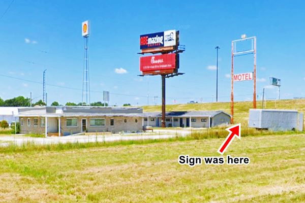 Present view of the old Art's motel and restaurant in Farmersville Route 66