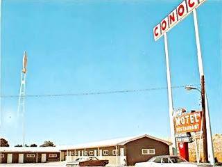 Conoco Sign at Art's 1960s postcard in Farmersville US66