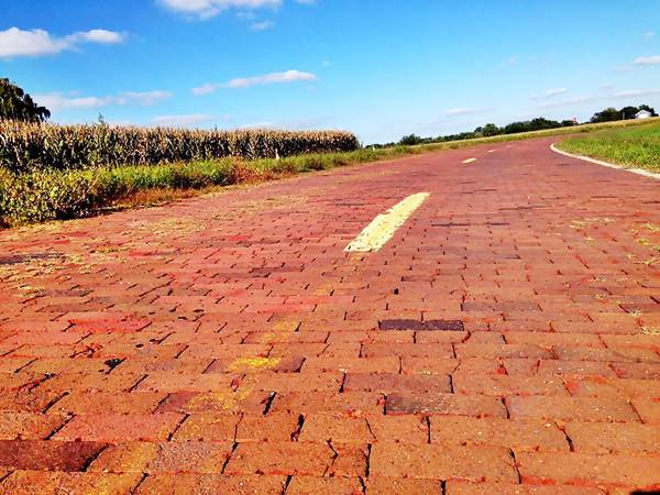 Brick paved Route 66, Illinois