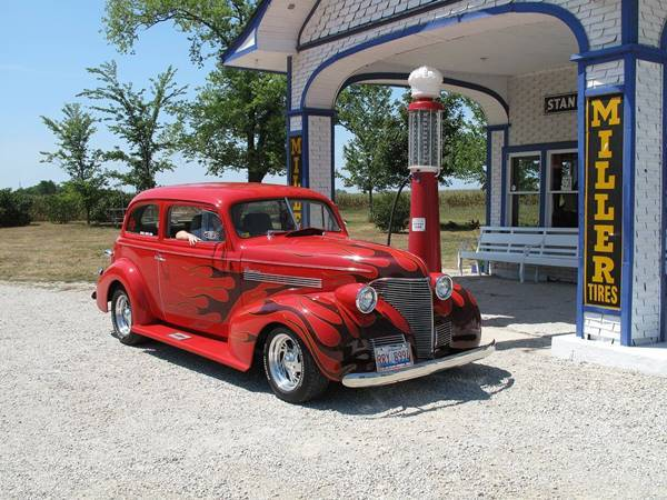 Vintage car at the Historic Standard Oil Gasoline Station in Odell Route 66