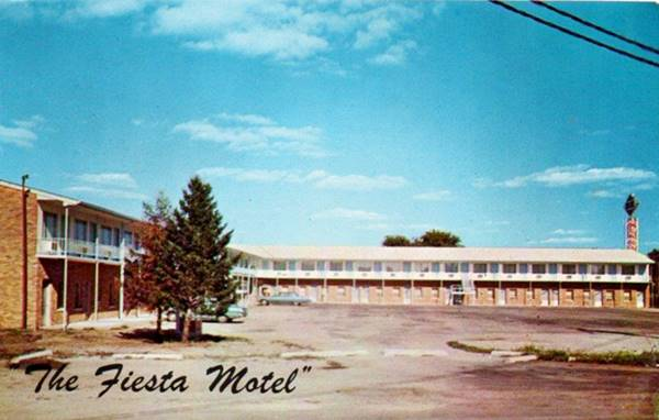 Fiesta Motel in a vintage postcard; in Pontiac Route 66