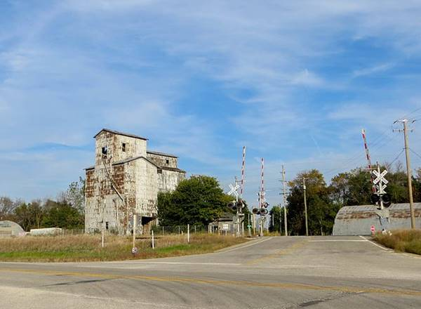Grain Elevator and old railway depot in Cayuga Route 66