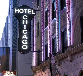 Neon sign of the Hotel Chicago in Chicago US66