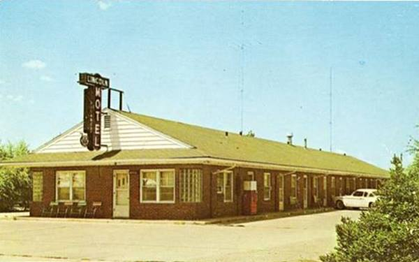 Lincoln Motel vintage postcard in Lincoln Route 66