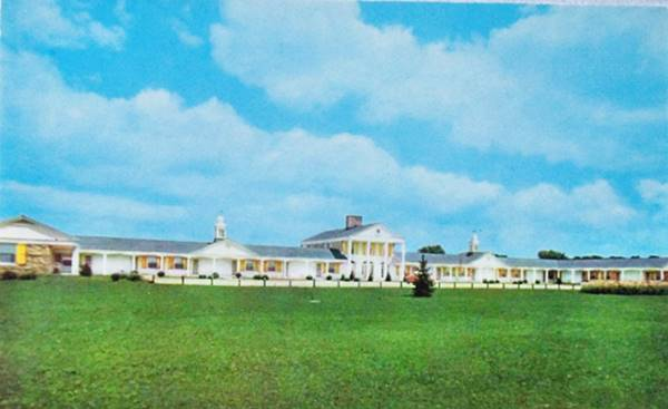 The Manor Motel, a 1950s postcard in Joliet Route 66