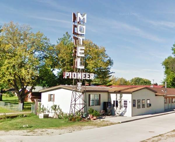 Pioneer Motel in Springfield Route 66