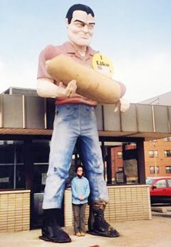 This same Hot Dog Giant in Cicero Illinois in Atlanta US66