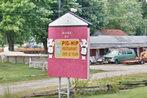 Pig Hip Marker & Sign in Broadwell Route 66