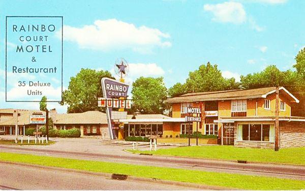 Former Rainbo Court Motel in Fairmont City Route 66