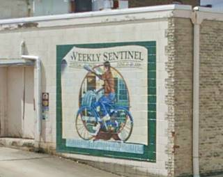 Weekly Sentinel Mural in Pontiac US66