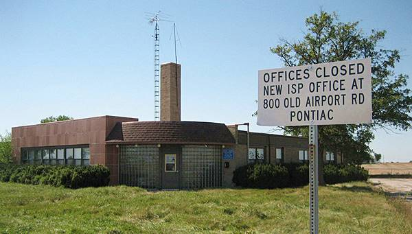 Old State Police HQ in Pontiac Route 66