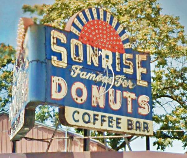 Sonrise Donuts neon sign in Springfield Route 66