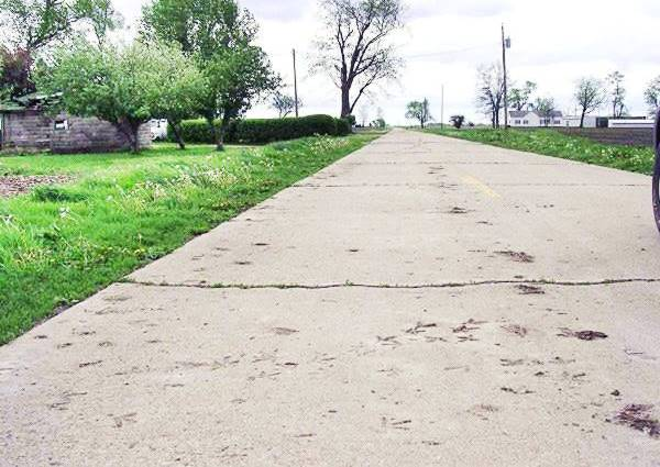 Turkey tracks on US 66 concrete in Nilwood Route 66