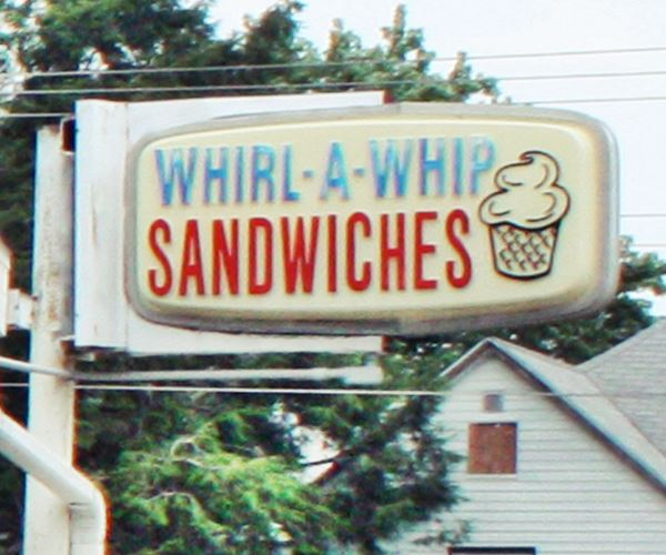 Whirl-A-Whip Restaurant in Girard Route 66
