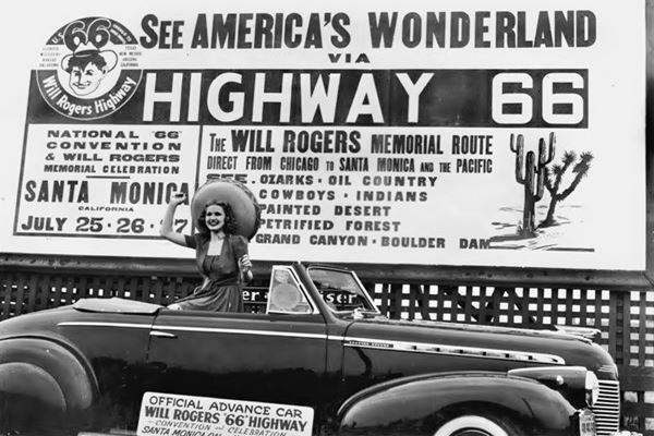 Vintage 1940s photo of Route 66
