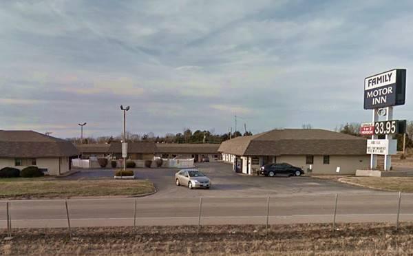 former Grande Courts on Route 66 in Sullivan Missouri