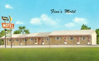 vintage postcard of Finn's Motel on Route 66 in St. James Missouri