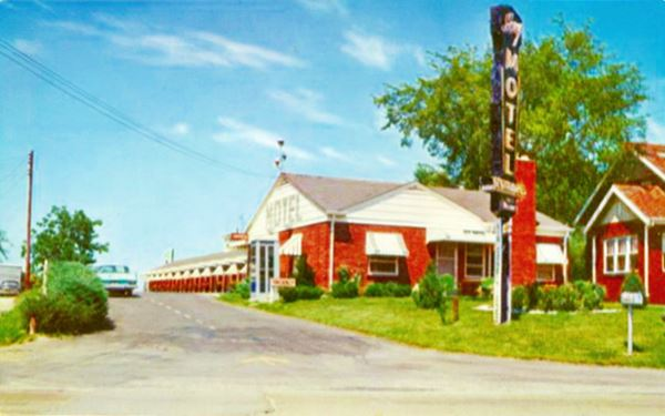 postcard of the Ivy Motel