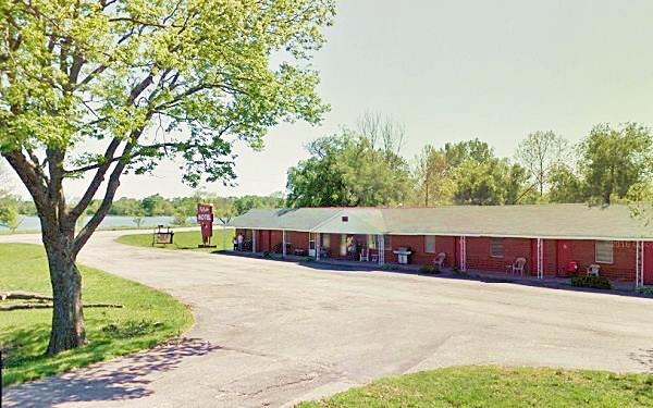 Street view of what still is the Kel Lake Motel in Carthage MO, Route 66