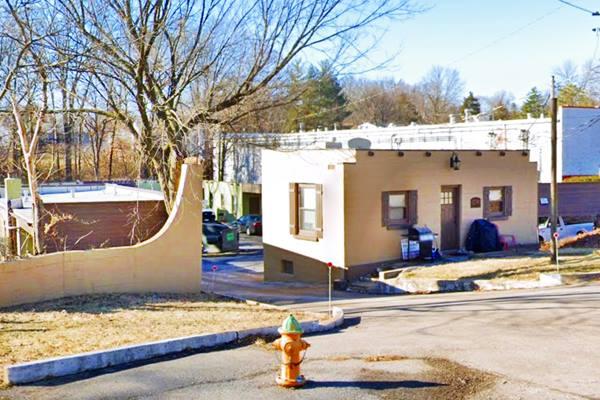 1940s La Casa Grande Motel in Marlborough, Missouri