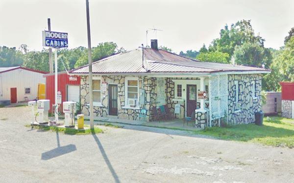 Modern Cabins near Plano, Missouri, Route 66