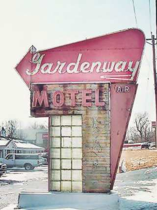 Gardenway motel neon sign, Gray Summit Route 66