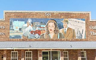 Thumbnail of a mural in Cuba Missouri