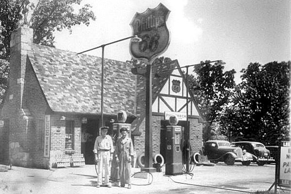 Vintage postcard showing Phillips 66 Service Station, now Orchard Hills in Lebanon, Mo, Route 66